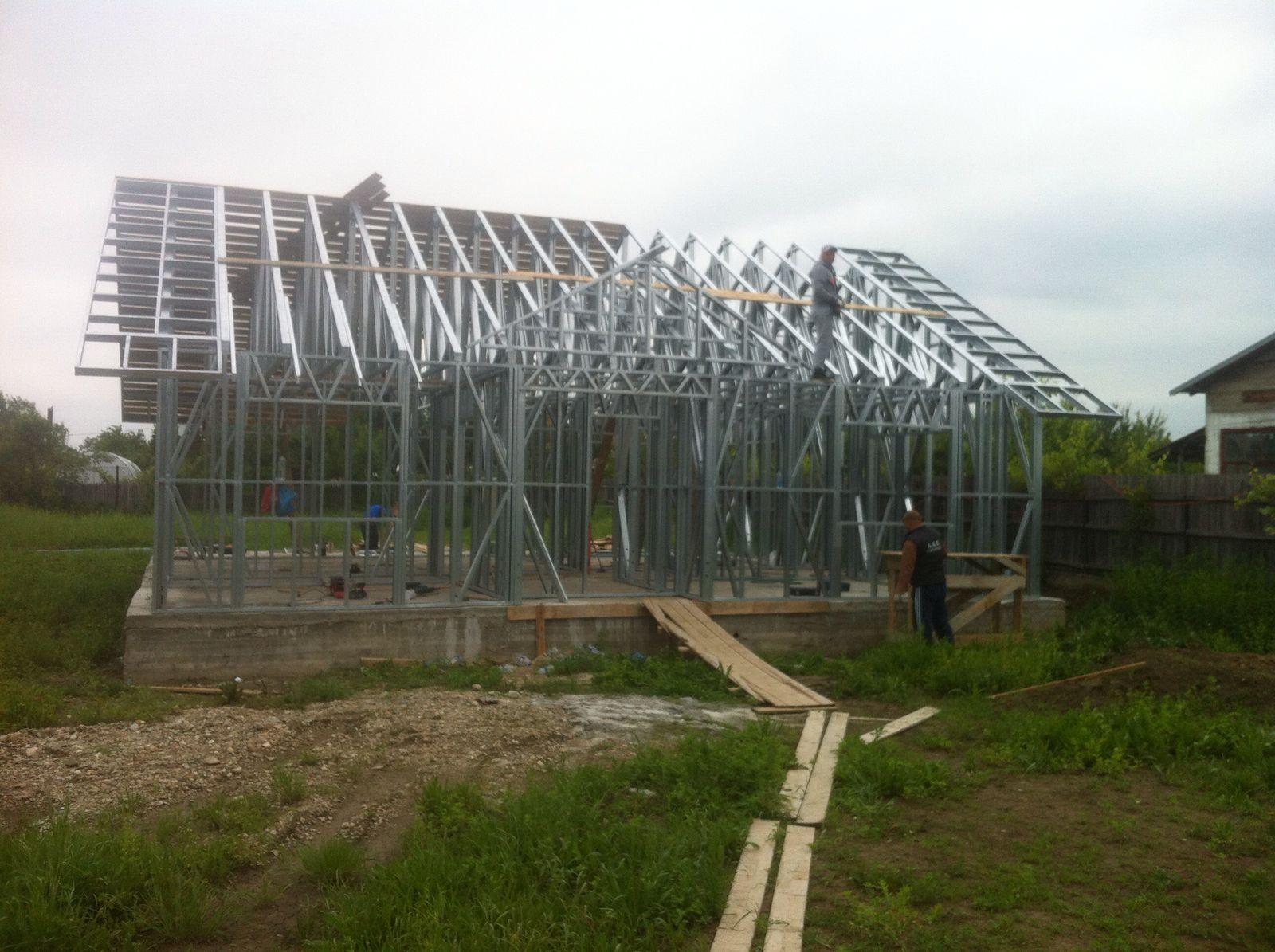 case pe structura metalica, structuri metalice usoare